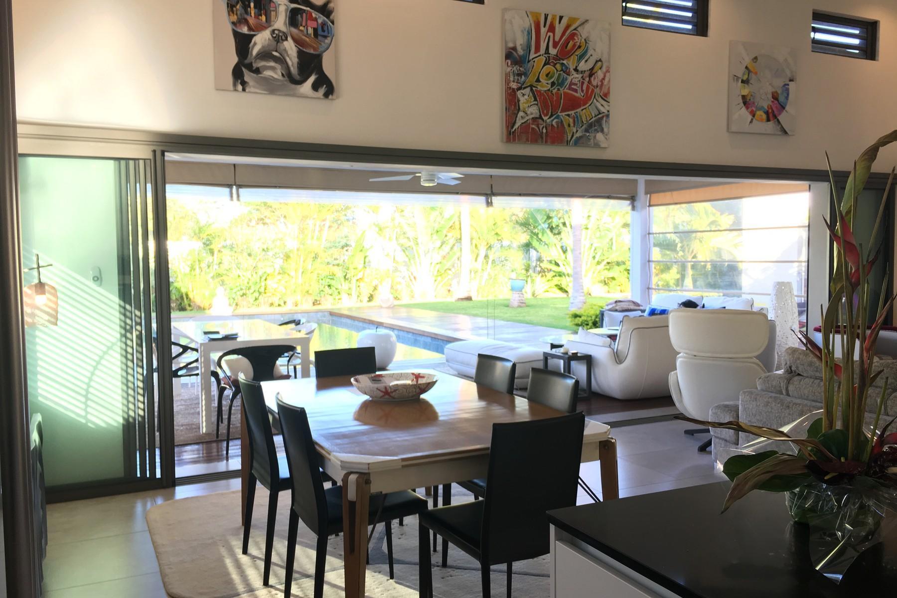 Designer Villa In a Tropical Surround